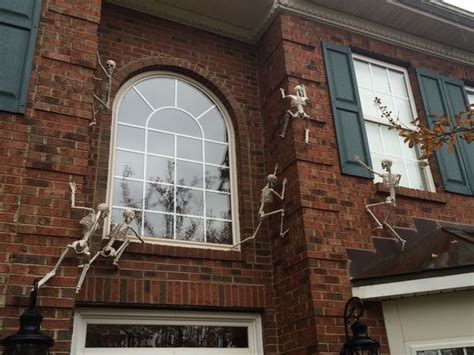skeletons climbing house skeletons climbing your house s walls 10 steps with pictures