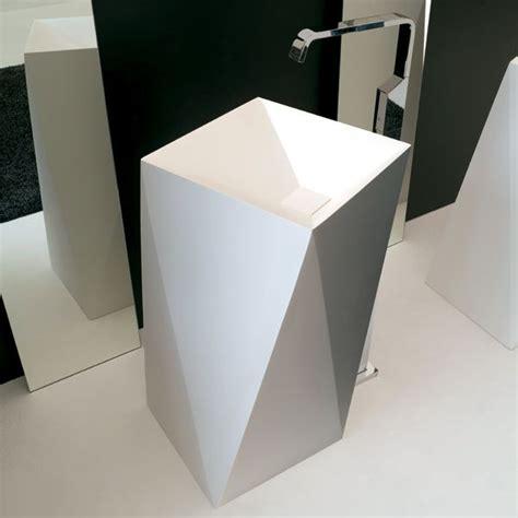 le a poser design le lavabo 224 poser au sol sharp de artceram dont le design