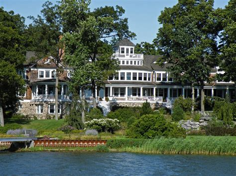 51 Stunning Lake Houses  Famous, New, Old, Big And Cozy