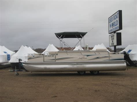 Used Boat Motors In Minnesota by Used Boat World Sells Boats Pontoons And Outboard Motors