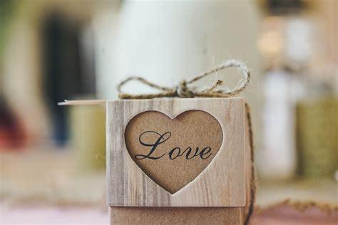love heart gift box wallpaper hd wallpapers