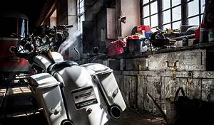 bike garage background HD wallpaper