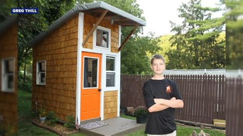 Dude Backyard Level 15 by Builds Tiny House In Family S Backyard Abc News