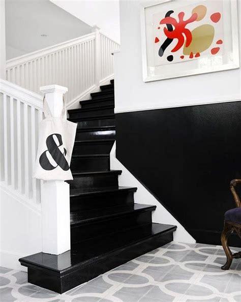 les 25 meilleures id 233 es de la cat 233 gorie cage d escalier sur escaliers peints