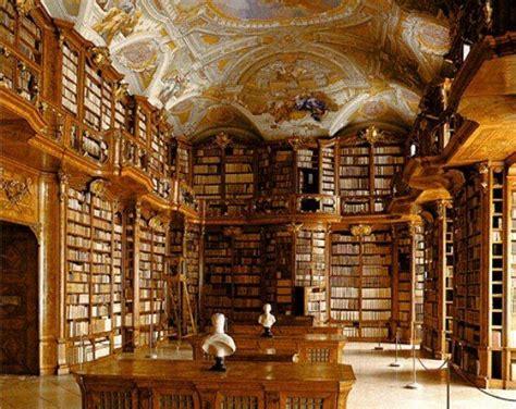 Libreria Queriniana Brescia by La Biblioteca De La E La Bestia Esiste Davvero E Si