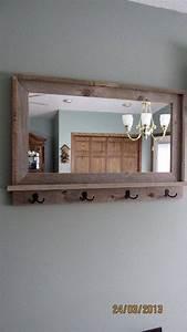 Spiegel Befestigung Wand : wandspiegel wei spiegel mit ablage und haken eingangsbereich spiegel w hrend wei e wand ~ Orissabook.com Haus und Dekorationen