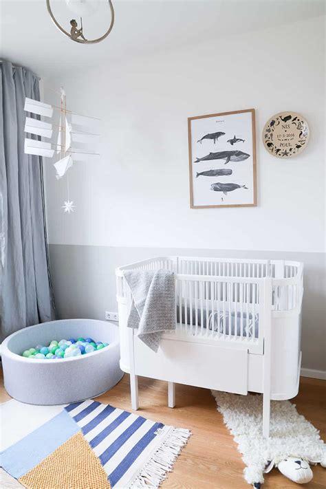 Wandfarbe Für Kinderzimmer by Wie Ein Kinderzimmer Mit Etwas Farbe Und Ein Paar