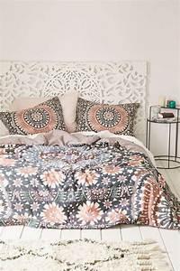 La magie du tapis marocain en 44 photos archzinefr for Tapis berbere avec housse canapé klobo