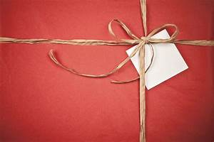 Don't bring wrapped gifts in carry-on luggage - My Coast Now