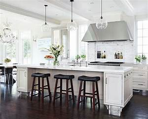 Glass pendant lights over kitchen island : The white kitchen is here to stay decor gold designs