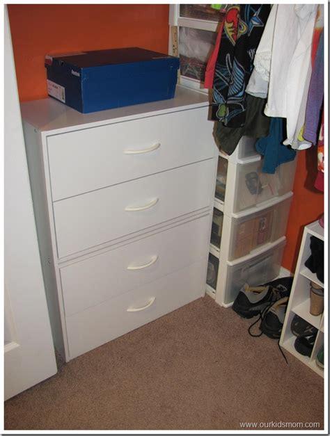 closet organization with closetmaid cube organizer