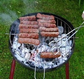 cuisine roumaine recette cuisine roumaine mititei ou mici petites