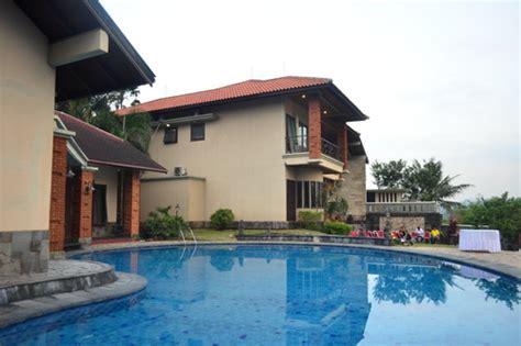 villa resort  semarang