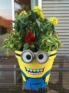 kreasi pot bunga unik lucu terinspirasi tokoh