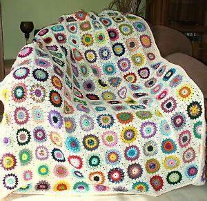 Granny Square Decke Häkeln : granny square decke sunburst flowers gehaekelte decke haekeldecke creme granny sunburst ~ Orissabook.com Haus und Dekorationen