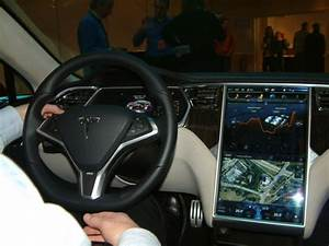 Tesla Porte Papillon : premier contact avec la tesla model s ~ Nature-et-papiers.com Idées de Décoration