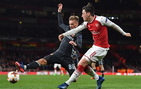 An additional preliminary knockout round will be played before the round of 16. Hasil Lengkap Leg I Perempat Final Liga Europa Dini Hari ...