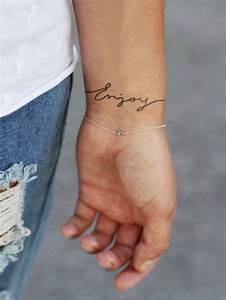 Tatouage Femme Poignet : tatouage poignet femme tatouage poignet 95 mod les qui ~ Melissatoandfro.com Idées de Décoration