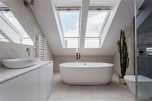 Aménager Une Salle De Bain : comment am nager une salle de bain dans le grenier ~ Dailycaller-alerts.com Idées de Décoration