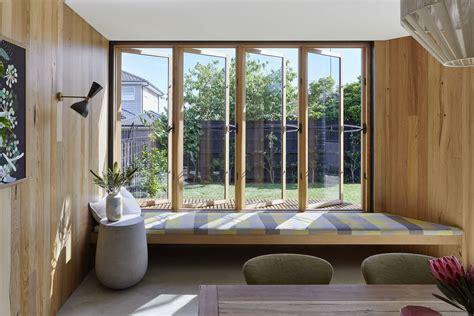 casement window  centor screen aspect windows