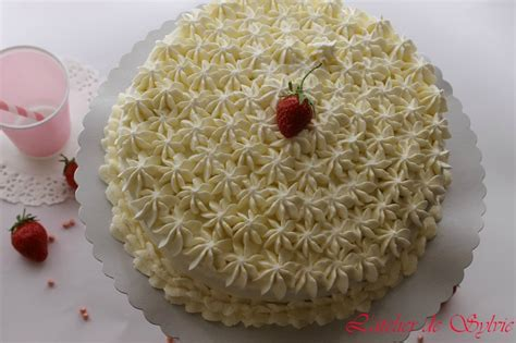 decoration gateau avec creme chantilly