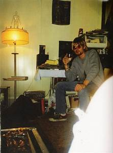 40+ Rare Photos Of Kurt Cobain's Life | Art-Sheep