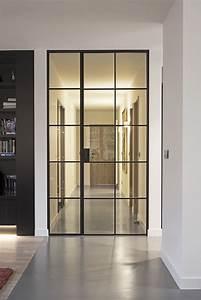 Porte En Métal : haute porte en m tal laqu e noir avec panneau adjacent fixe en verre portes en verre ~ Teatrodelosmanantiales.com Idées de Décoration