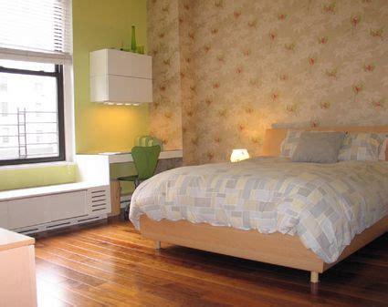 Bedroom Carpet Vs Hardwood by Why Carpet Is Better Than Hardwood For Bedrooms