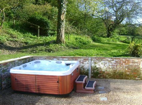 Forest Lodge With Tub by Forest Lodge Tub Mid Wales Sy16 4dw