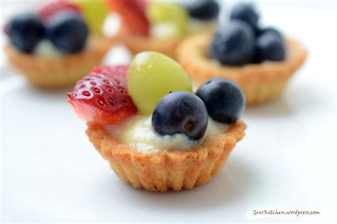 berry canapes mini fruit ginskitchen