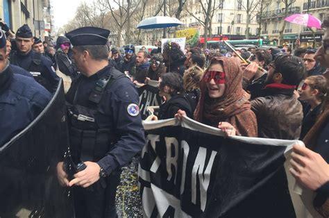 siege du medef photos étudiante réussie devant le siège du medef