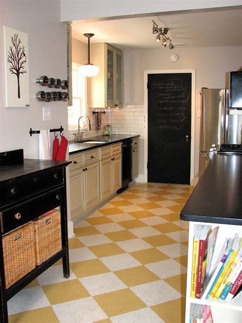 white kitchen floor 18 beautiful exles of kitchen floor tile 1040
