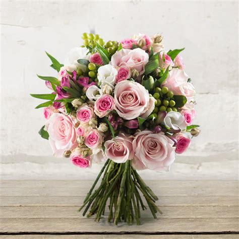 spedire mazzo di fiori bouquet di quot dolce poesia quot citt 224 dei fiori