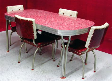 54 of the best retro kitchen dining tables