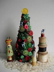 Basteln Mit Knöpfen : weihnachtsbaum basteln 24 unglaublich kreative diy ideen ~ Frokenaadalensverden.com Haus und Dekorationen