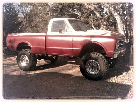 chevrolet pickup truck lifted  offroad play