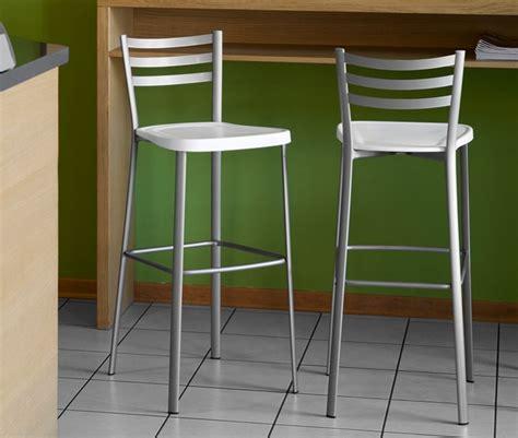 chaises hautes cuisine chaise haute cuisine contemporaine