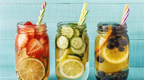 Detox-Wasser selber machen: So helfen die erfrischenden ...