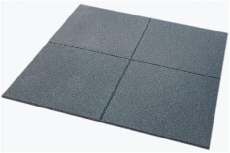 piastrelle gomma antitrauma scopri il pavimento palestra piastrelle in gomma e in rotolo