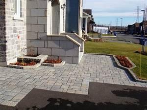 Dalle Beton Maison : cour en asphalte en dalles de b ton pavage pour cour d ~ Premium-room.com Idées de Décoration
