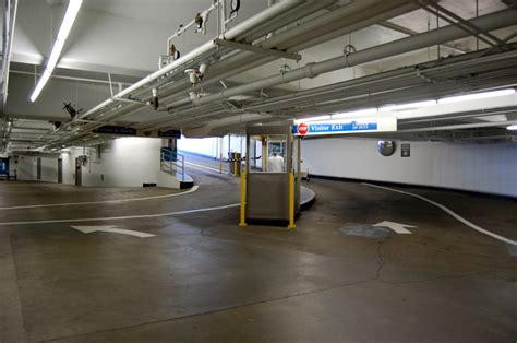 lincoln square parking garage rates dc parking garages