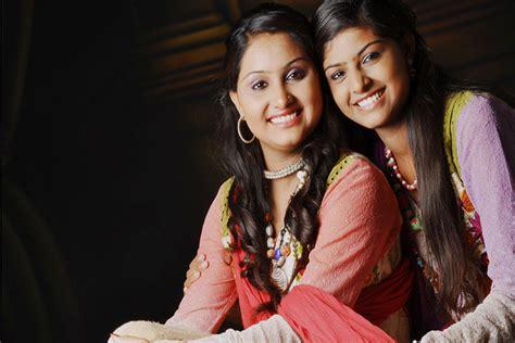 Nooran Sisters Official Website