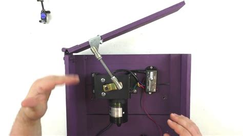 Elã Ctric by Electric Lid Opener Mech Demonstration Open A Lid With