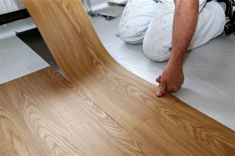 Vinylboden Reinigen Hausmittel vinylb 246 den reinigen die besten hausmittel herold at