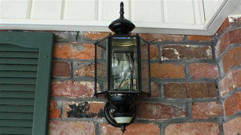 paint outdoor light fixtures todays homeowner