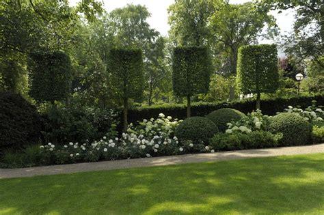 Sichtschutz Garten Verboten by Hochstammspaliere Mit Hortensien Moderne G 228 Rten