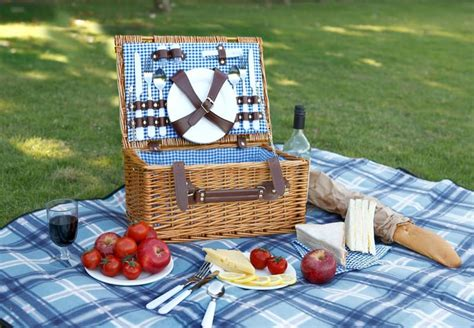 picnic food ideas for two 10 romantic picnic baskets that you can buy right now