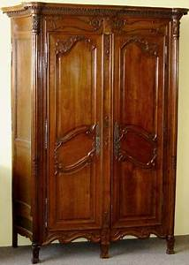 French Neoclassical Period Armoire De Chasse For Sale