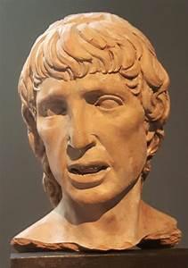 Frammento Di Una Mezza Figura  1500 Circa  Bode Museum    U0441
