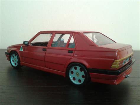 alfa romeo  red jantes metal burago diecast model car